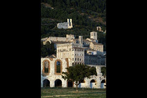 Die Geschichte von Gubbio war dank der günstigen geografischen Lage von Wohlstand und Macht geprägt.