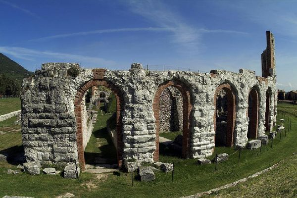 Das römische Amphitheater von Gubbio wurde im 1. Jahrhundert n. Chr. gebaut.