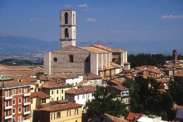Perugia, die Hauptstadt von Umbrien, ist eine geschichtsträchtige Kunststadt mit zahlreichen Sehenswürdigkeiten.