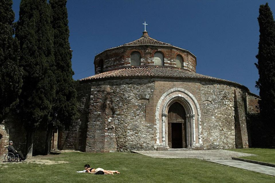 The Temple of Sant'Angelo is a Paleochristian church dating back to the 5th century that constitutes a rare example of a circular plan church.
