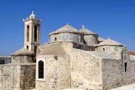 Avec ses 5 coupoles, l'église d'Ayia Paraskévi a été construite sur le modèle des basiliques justiniennes.
