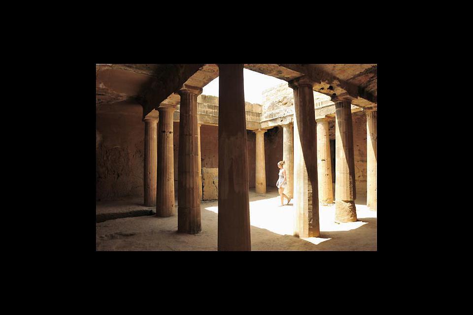 A 2 km de Paphos, la Tumba Real es una necrópolis construida en el siglo III antes de J.C.