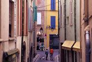 These little alleyways in Perpignan are home to many markets, bars, and even restaurants. Everything you need to enjoy the quiet, far from the noise of traffic.