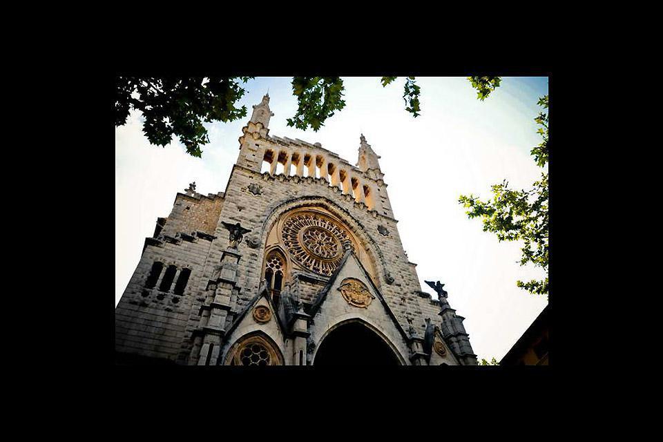 Die Pfarrkirche Sant Bartomeu vereint mehrere Baustile.