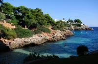 Entre Colonia Sant Jordi et Cala Mesquida se succèdent une multitude de calas (calanques) isolées, parfois difficile d'accès. Cala Egos est une charmante petite crique bordant un quartier résidentiel et trois hôtels : le Lookea Dolce Farniente, le Marina Skorpio et le Marina Corfu, à seulement 3 km de la station balnéaire de Cala D'Or, sur la côte est de Majorque. Il faut dire que ces trois hôtels ...