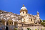 Die Kathedrale von Palermo, Maria Santissima Assunta (Heiligste zum Himmel emporgestiegene Maria), ist ein grandioses Bauwerk, das verschiedene Baustile in sich vereint.