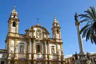 Die Kirche San Domenico befindet sich auf dem gleichnamigen Platz im Viertel La Loggia. Hierbei handelt es sich gleich nach der Kathedrale um die zweitwichtigste Kultstätte Palermos.