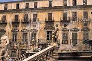 Palermo liegt im Norden Siziliens und ist die größte Stadt der Insel.