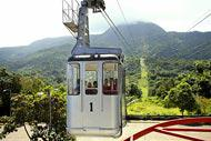 To admire the bay and the city in its entirety, take the cable car to the top of Mount Isabel de Torres and admire the statue of Christ the Redeemer.