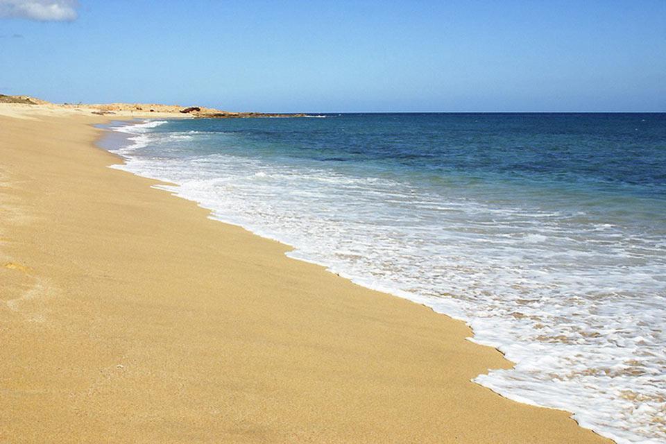 Il comune di Los Cabos è bagnato dal mare di Cortes e dall'Oceano Pacifico.