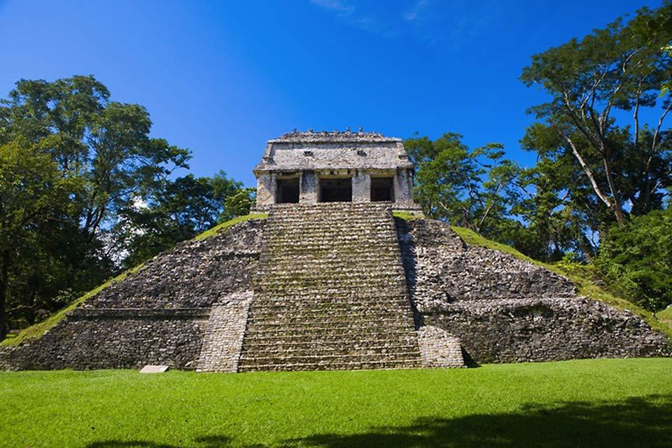 Il Tempio delle Iscrizioni, risalente al 675, è uno dei monumenti più significativi di Palenque.