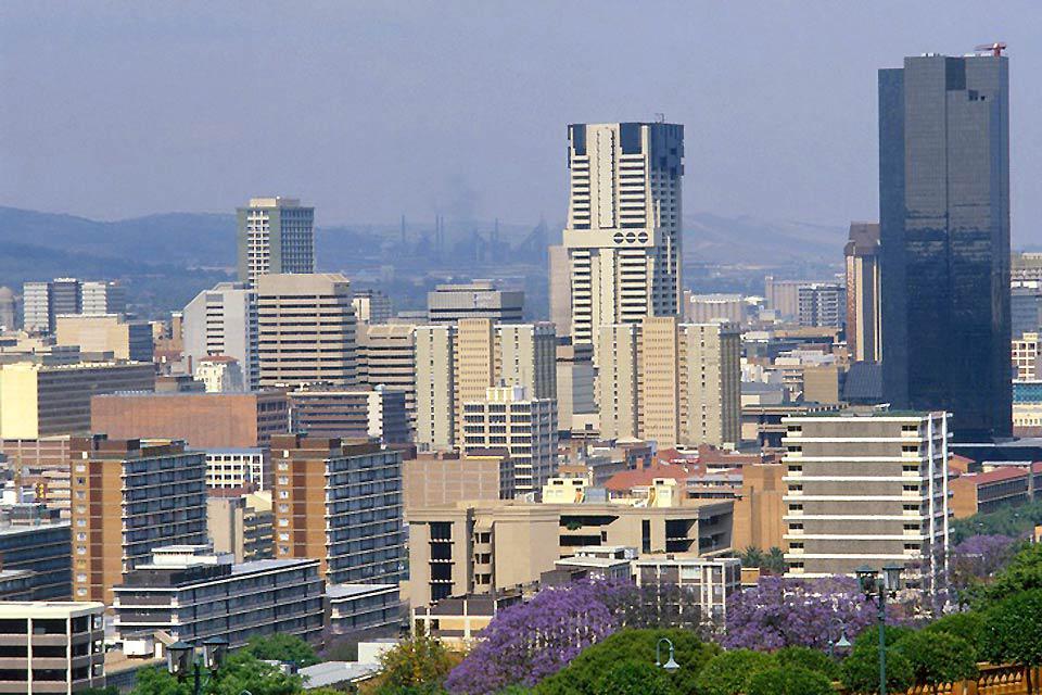 La città, antica capitale sudafricana del Transvaal, è abbastanza turistica. Pretoria è una città dinamica che sa farsi notare.