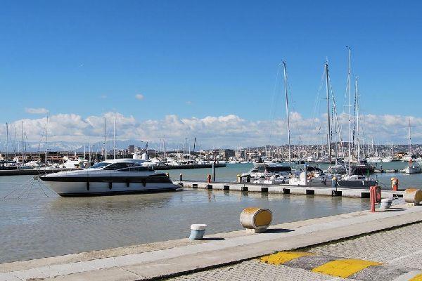 Pescara es la capital de la provincia homónima, en la región de los Abruzos.