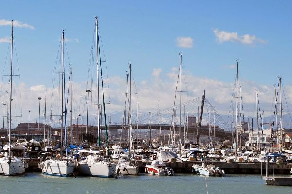 The marina is located to the immediate south of the mouth of the river.