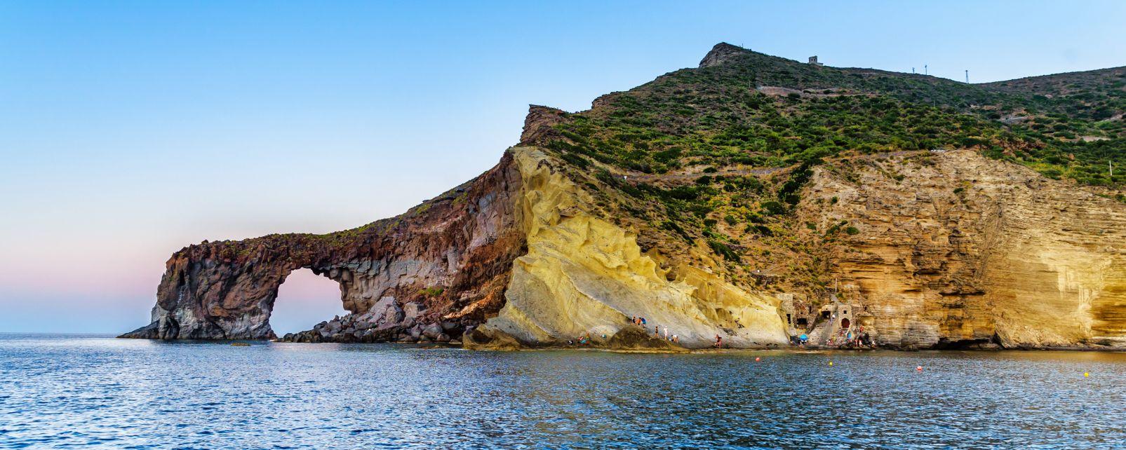 Salina, Sicilia, Italia