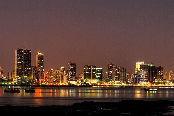 Capitale économique faisant le pont entre l'Amérique du nord et du sud, les projets urbanistiques s'y développent à grande vitesse.
