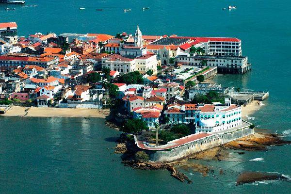 """Le """"vieux Panama"""", dont la construction remonte au début du XVIème siècle, est aujourd'hui un quartier calme de petites rues étroites inscrit au patrimoine mondial de l'Unesco."""
