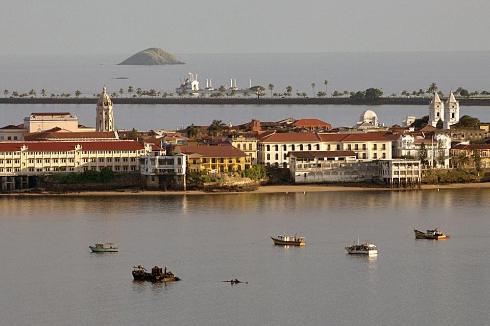 Casco Viejo is the historic district of the city, home to numerous buildings that reflect its colonial past.
