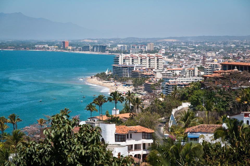 Puerto Vallarta è un grande centro turistico e uno dei principali porti del Messico.
