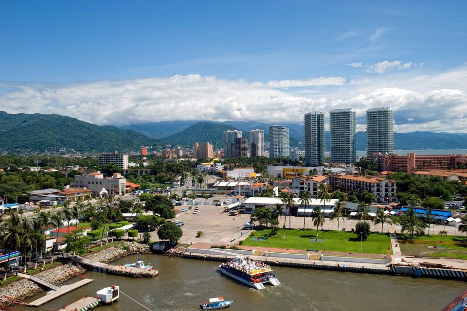 Avant de devenir une destination touristique internationale, Puerto Vallarta  était un village mexicain typique.