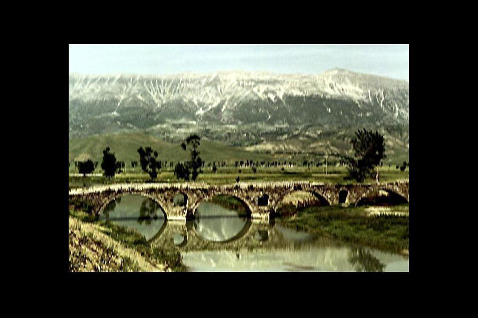 Una de las ciudades más antiguas de Albania, tierra de encuentro de las culturas griega, romana, bizantina y turca.