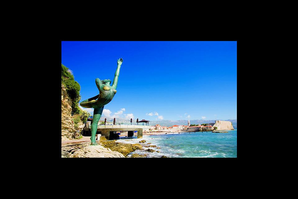 Don't miss the little mermaid of Budva, close to the Avala Resort and Villas Hotel, which tourists rush to photograph.