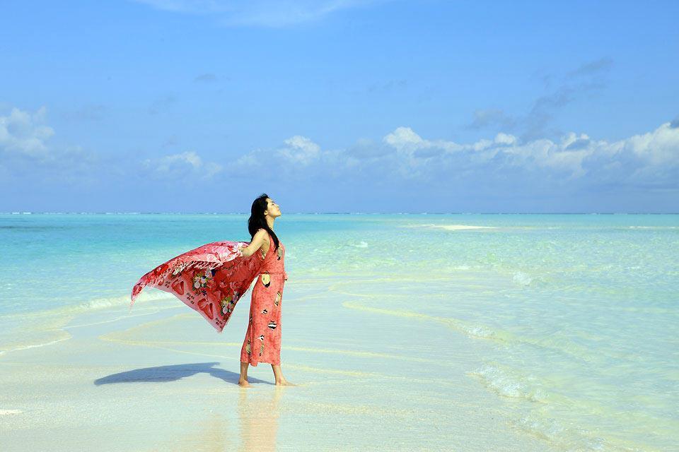 L'atollo di Faafu è l'atollo a sud dell'arcipelago di Ari Sud. E' formato da 6 isole-hotel. Vi invitiamo a sognare leggendo le nostre schede, e chissà magari che il sogno non...diventi realtà! Ci sono tutti gli ingredienti affinché scegliate al meglio e prenotiate l'hotel che meglio corrisponde alle vostre aspettative. Buon viaggio!   ...