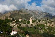 Stari Bar, situada a unos 10 km del puerto, es la parte antigua de la ciudad.