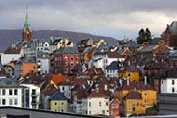 La chiesa di Johanneskirken si trova nella parte sud di Bergen, vicino all'università.