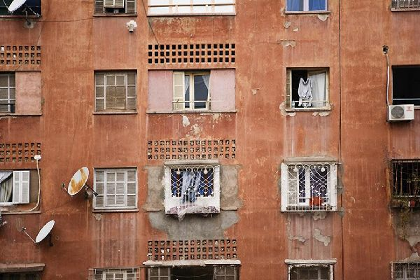 Il suk di Marrakech è famoso per la sua pelle. Alcuni calzolai utilizzano ancora tecniche ancestrali.