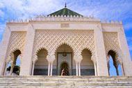 Lugar de culto que alberga la tumba del padre de la independencia, el sultán Mohammed V, el mausoleo del mismo nombre todo de mármol y de mosaicos es imponente.