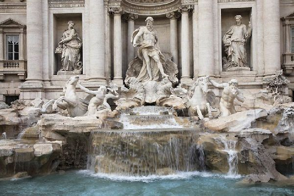 One of the most famous Italian fountains, this is a work from the 18th century displaying classical and baroque influences.