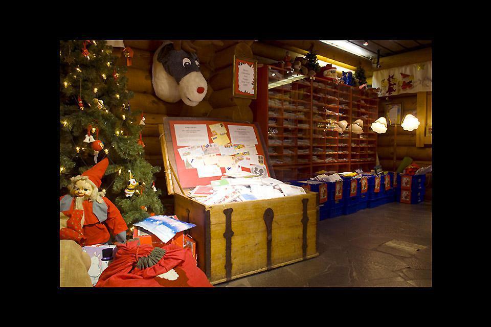 Man kann das Haus des Weihnachtsmanns besichtigen.