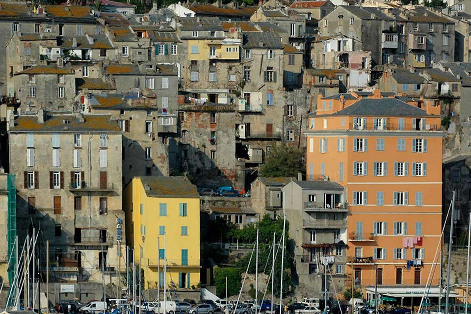 Bastia's city centre reveals numerous 19th century buildings to its visitors.