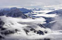 Esta estación de alto copete de los Alpes del Sur, conocida con el nombre de «Serre Che», es en realidad un valle de más de 13 kilómetros que se extiende del puerto del Lautaret a Briançon. El valle de Serre Chevalier es bastante atípico, está formado por 3 pueblos (Monêtier les Bains, la Salle les Alpes/Villeneuve y Saint-Chaffrey/Chantemerle), 13 aldeas y una ciudad declarada Patrimonio Mundial de ...