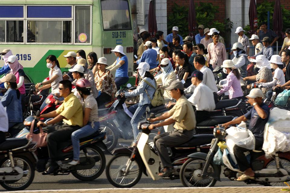 Capitale économique du Vietnam, cette ville est pleine de contrastes avec des quartiers typiques, coloniaux et modernes.