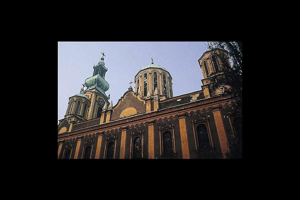 Les différents lieux de culte du centre-ville témoignent de la pluralité des éthnies et des religions qui coexistaient à Sarajevo jusqu'à la dernière guerre.