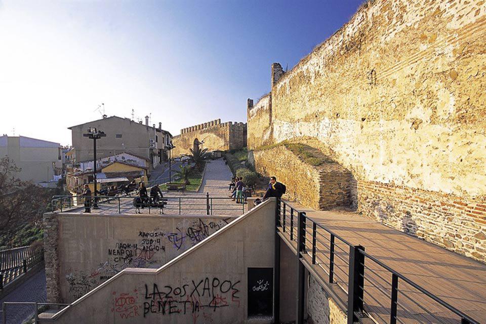 Peu fréquentée par les touristes, Thessalonique est pourtant la deuxième agglomération du pays.