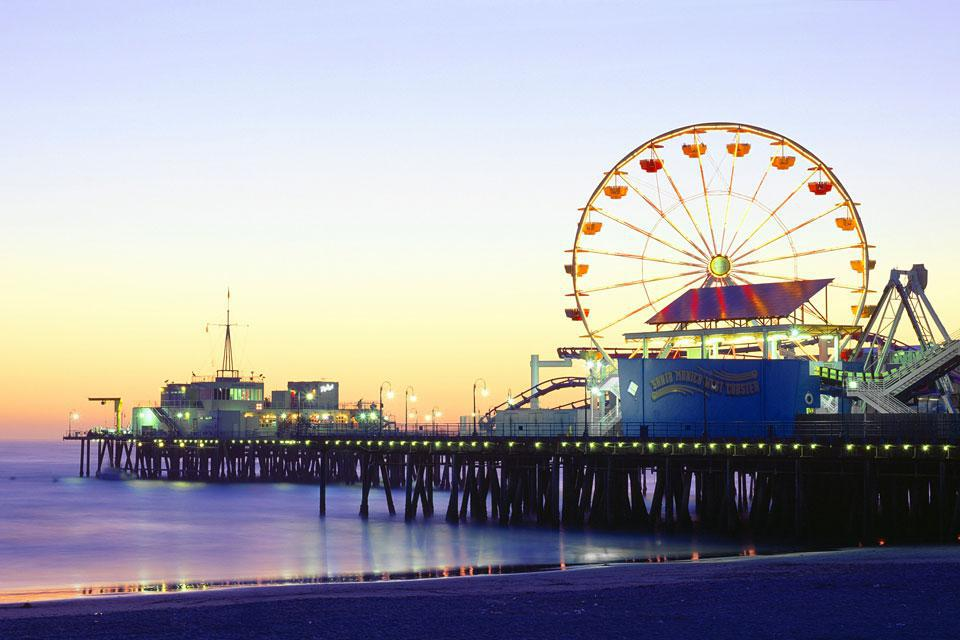 Partly because of its agreeable climate, Santa Monica had become a famed resort town by the early 20th century.