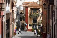 Ne manquez pas la rue San Sebastián qui vous propose une promenade évocatrice au coeur d'une zone qui concentre l'architecture et la culture typiques de l'île.