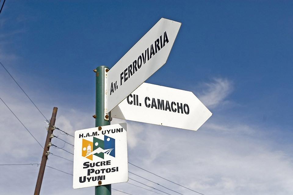 La città di Sucre è divisa in 8 distretti, di cui cinque sono distretti urbani e tre sono a prevalenza rurale.