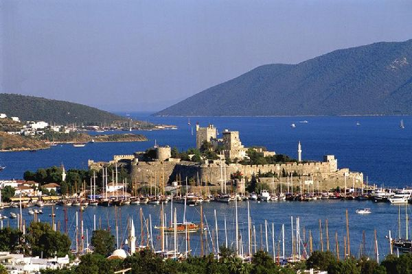 Bodrum is home to many important archaelogical sites but its most famous is undoubtedly St Peter's Castle, built by the Knights Hospitaller in the 15th century