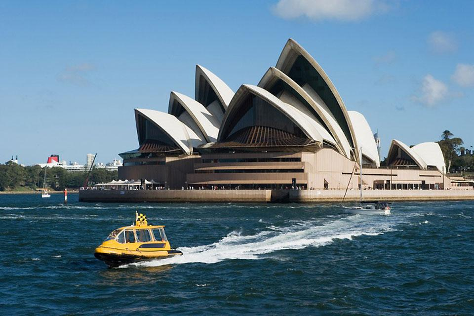 Jorn Utzon is the artist behind the architecture of the Opera House.