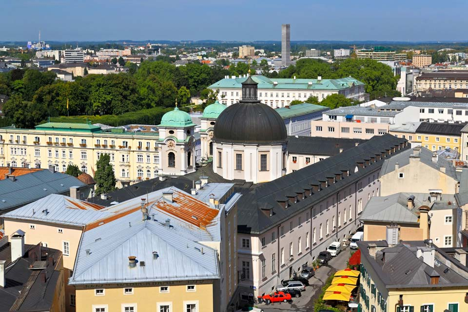 Salzburg is a city of art, where you can visit the Museum of Modern Art, the Nature Museum and the Mozart Museum.