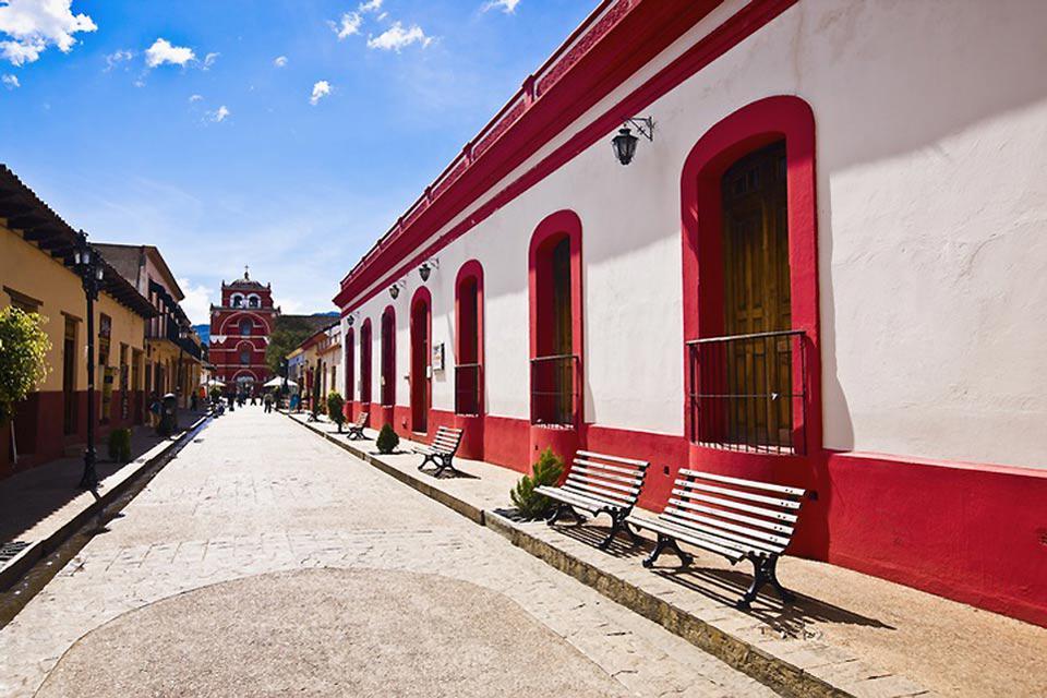 San Cristobal de las Casas, come altre città coloniali messicane ha gli edifici molto colorati.