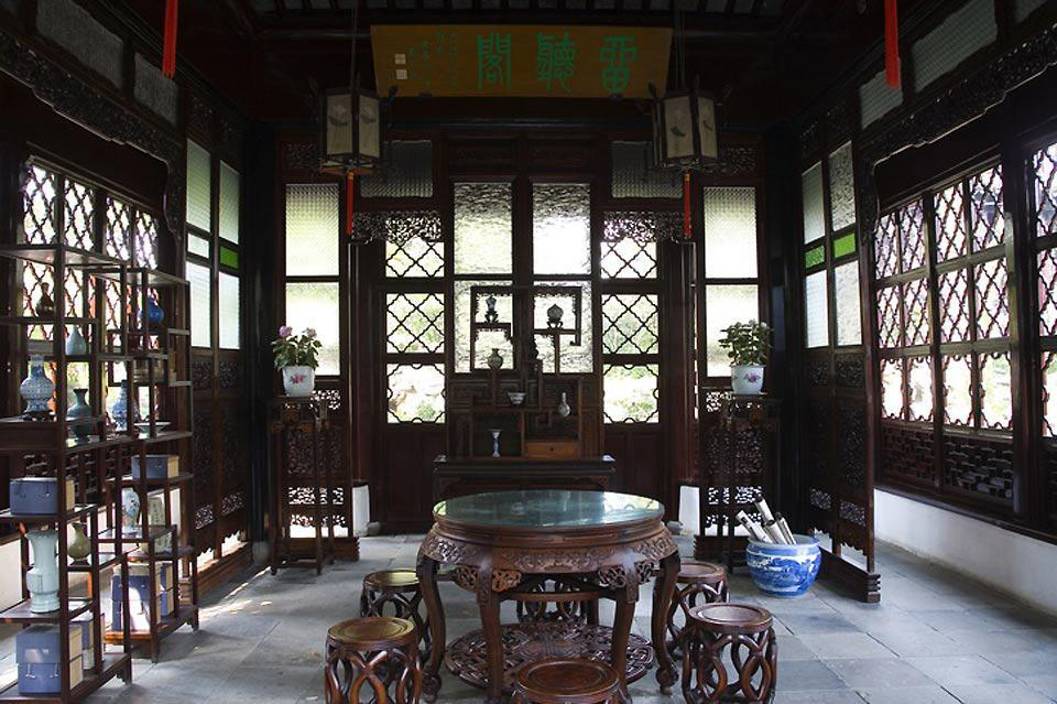 Suzhou was the capital of the Wu kingdom from the 12th to the 4th century BC. Historically, it is the cradle of Wu culture.