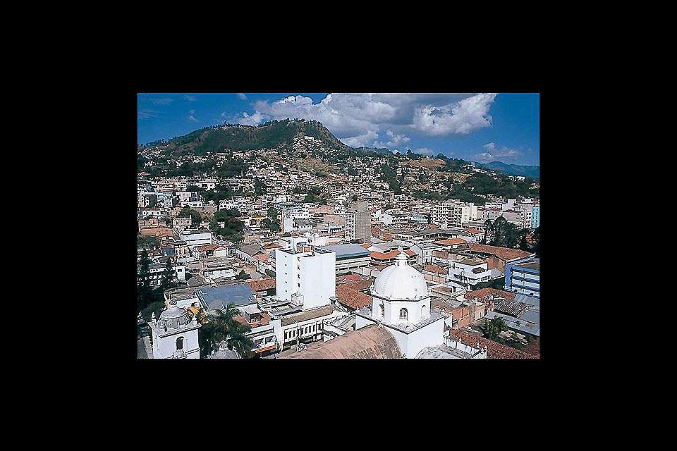 Tegucigalpa est la capitale d'Honduras. Elle possède un petit centre historique, mais reste une ville assez pauvre.
