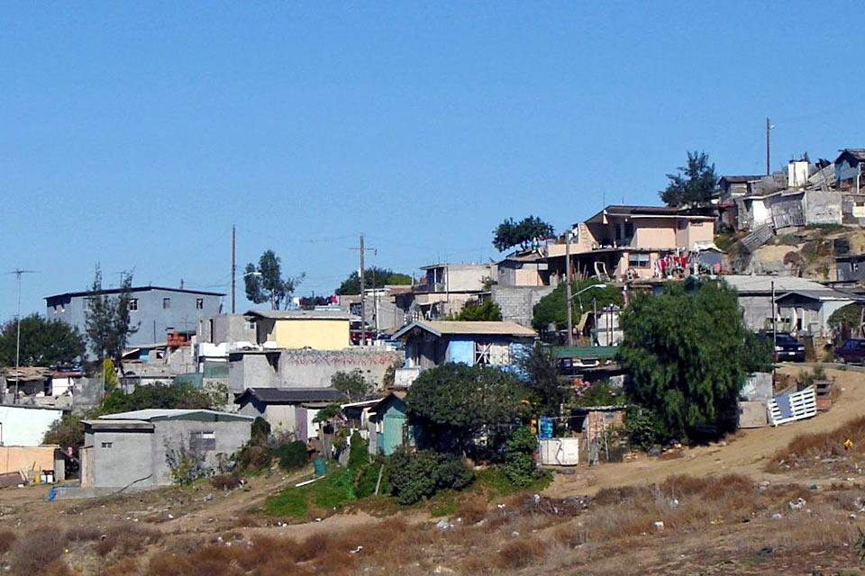Por desgracia Tijuana no tiene ningún interés para los turistas. Ciudad en plena expansión económica que acoge centenares de miles de mexicanos que esperan para cruzar la frontera y que se ha desarrollado de forma anárquica. Al caer la noche es una verdadera carrera de milagros donde se palpa la inseguridad....