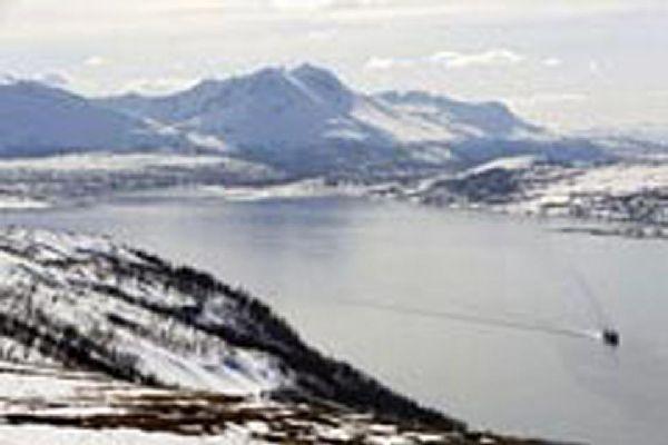 Trombo besteht aus einem Festland und mehreren Inseln sowie faszinierenden Landschaften.