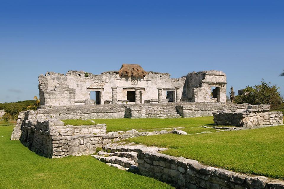 Il principale sito archeologico di Tulum è El Castillo.